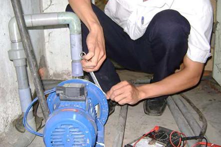 Sửa chữa máy bơm nước tại tân phú
